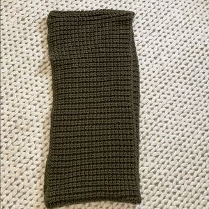 Thick knit circle scarf